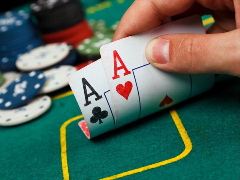 Tìm hiểu bluff poker là gì? Những sai lầm khi đi bluff 1