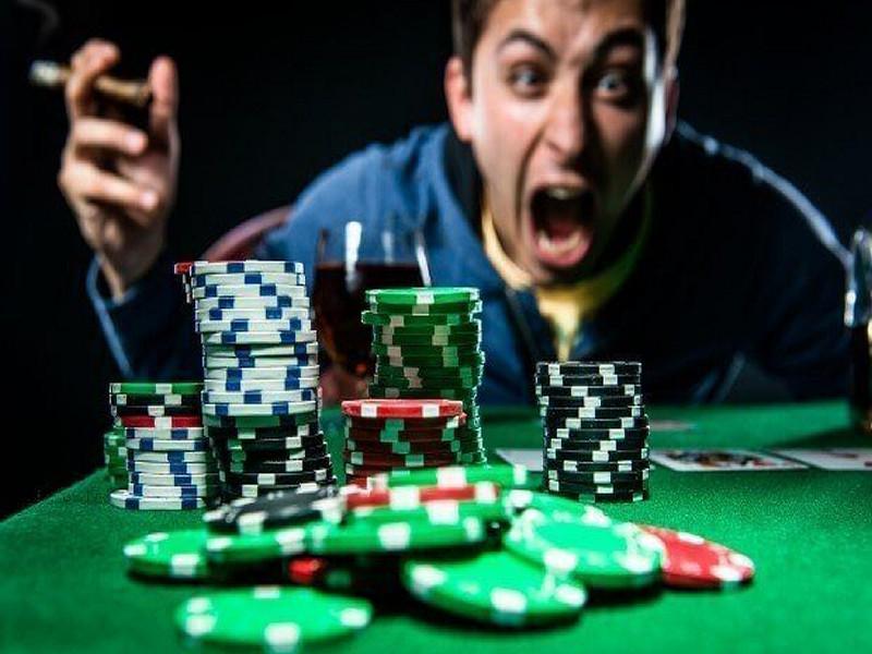 Tilt là gì? Chiến thuật kiểm soát và ngăn chặn Tilt trong Poker