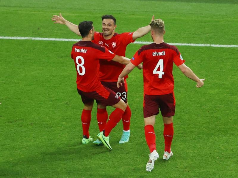 Có bao nhiêu suất đi tiếp dành cho đội xếp thứ 3 tại Euro 2021 ?