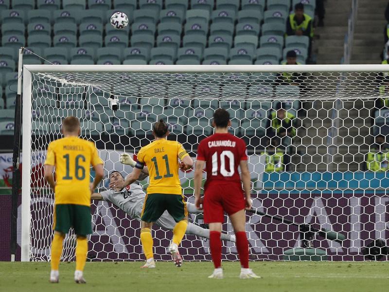 Kỷ lục đá hỏng penalty và phản lưới nhà tại Euro 2021 1