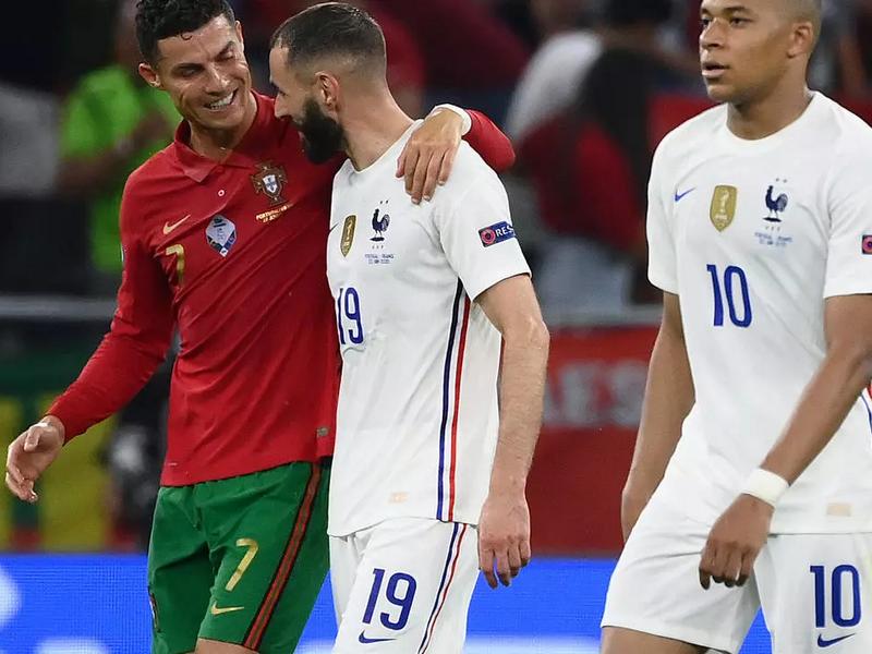 Lộ nghi vấn Ronaldo 'chỉ đạo' Benzema đá ma giúp BĐN vào vòng 1/8 Euro 2021