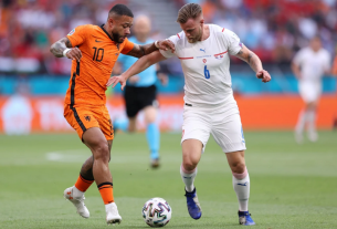 Matthijs De Ligt bị đuổi, CH Czech loại Hà Lan khỏi Euro 2021