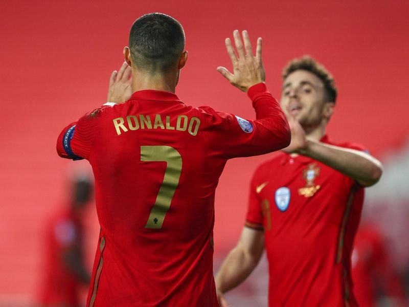 Ronaldo xác lập kỉ lục lịch sử trước thềm Euro 2021