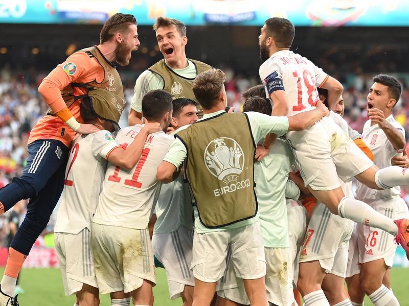 Thảm họa phản lưới nhà tại vòng 1/8 EURO 2020 1