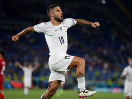 Thăng hoa ở Euro 2021, Insigne lọt vào mắt xanh gã khổng lồ