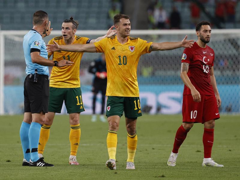 Xứ Wales dễ dàng mang về chiến thắng đầu tiên tại Euro 2021 1