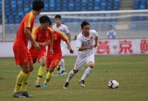 """'ĐT Trung Quốc mỉa mai bóng đá Việt Nam nghèo, vậy họ giàu đã làm được gì?"""""""