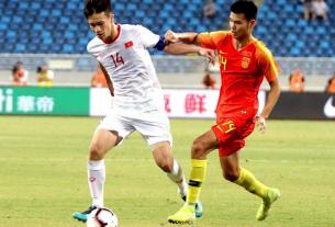 Giá của một cầu thủ Trung Quốc cao gấp đôi đội hình tuyển Việt Nam