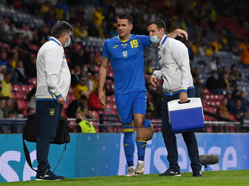 Tiền đạo Ukraine chia tay Euro 2020 sau pha vào bóng rợn người của cầu thủ Thụy Điển 1