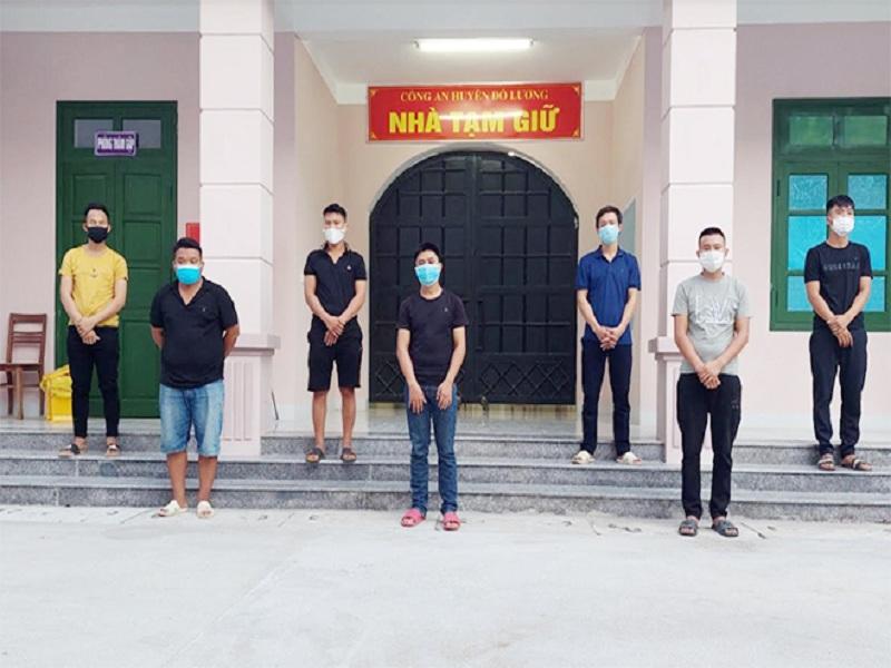 Triệt phá ổ nhóm cá độ bóng đá online của 7 đối tượng tại Nghệ An