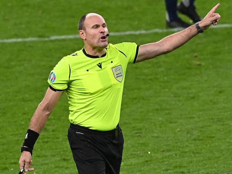 Trọng tài nhận án phạt nặng vì bị tố xử ép tại Euro 2021