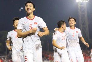 Cầu thủ đầu tiên chia tay ĐTQG Việt Nam