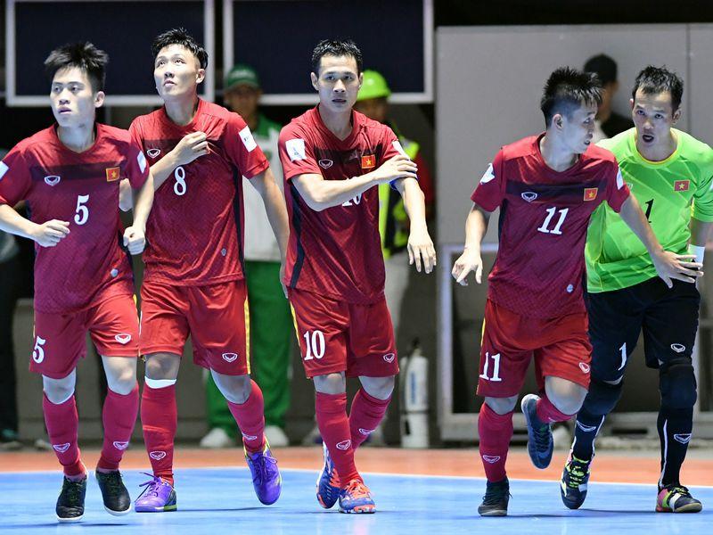 Tràn lan thông tin tuyển Việt Nam rút lui khỏi World Cup
